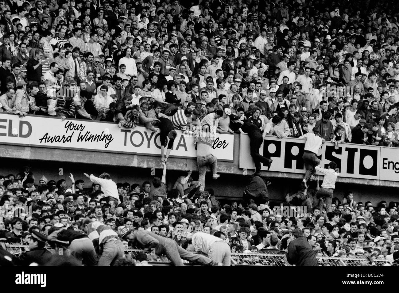 The Hillsborough Football Stadium disaster 15 April 1989, during the FA Cup Semi-Final between Liverpool and Nottingham - Stock Image
