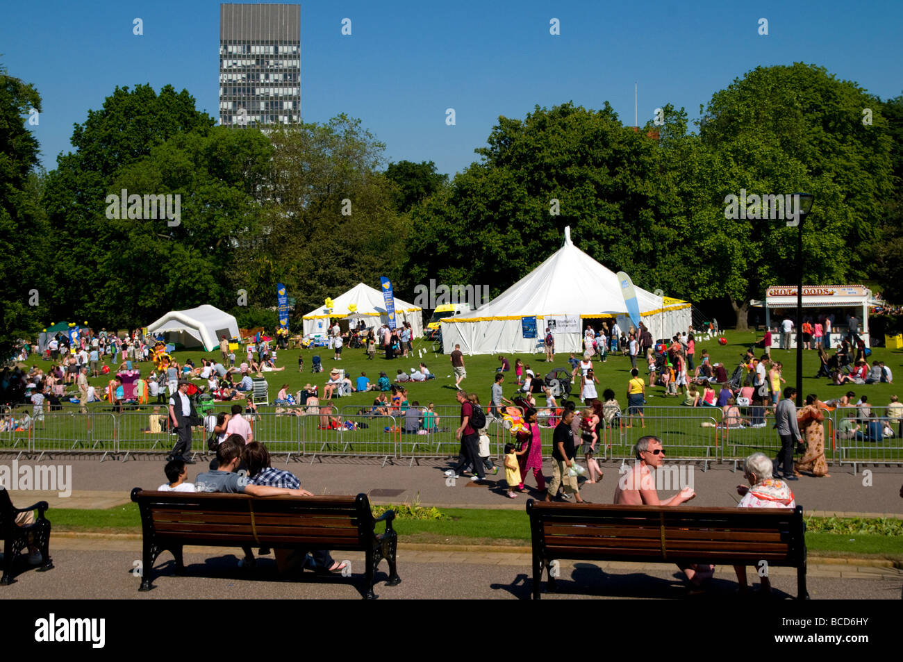 Crowds of people enjoying the hot weather in Western Park,Sheffield ,South Yorkshire ,England UK Stock Photo