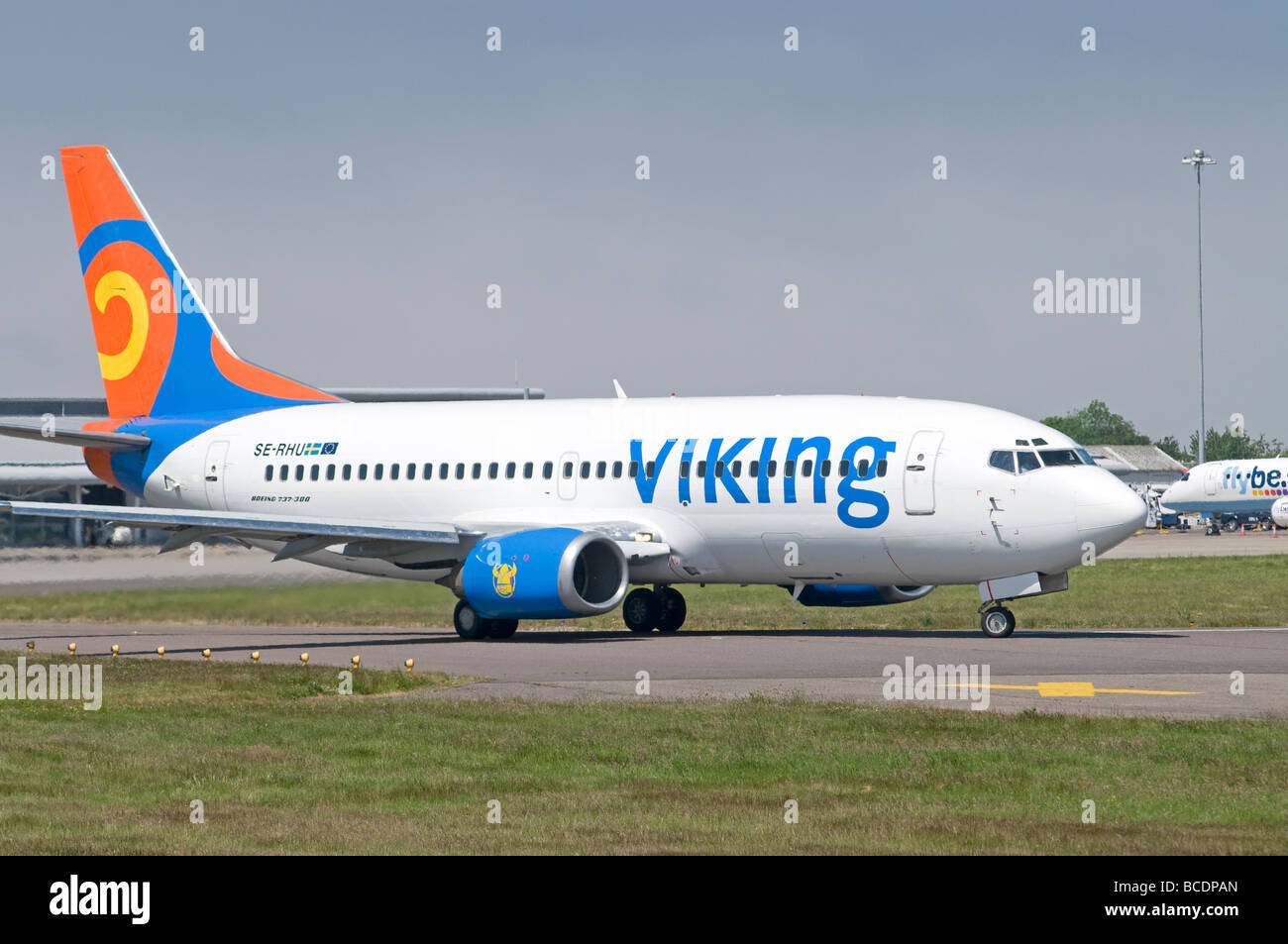 Viking Airlines Boeing 737-36N at Inverness Dalcross Airport Stock Photo