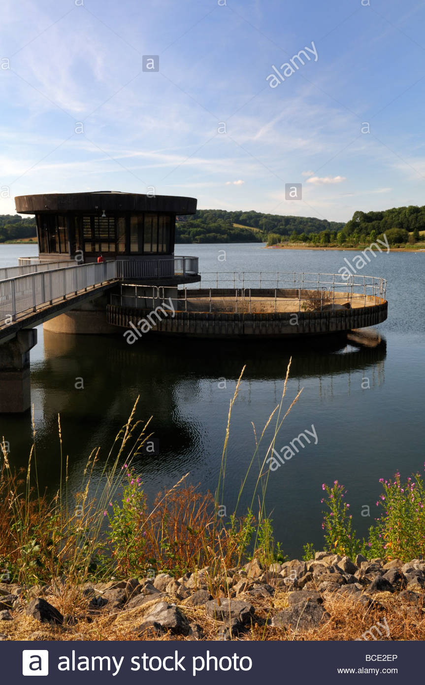 Scenic view of 'Valve House' Ardingly Reservoir, West Sussex, England, UK - Stock Image