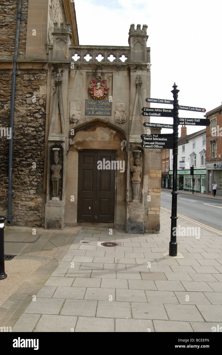 Streetsign guiding tourists to places of interest in the historic market town of Abingdon in Oxfordshire - Stock Image