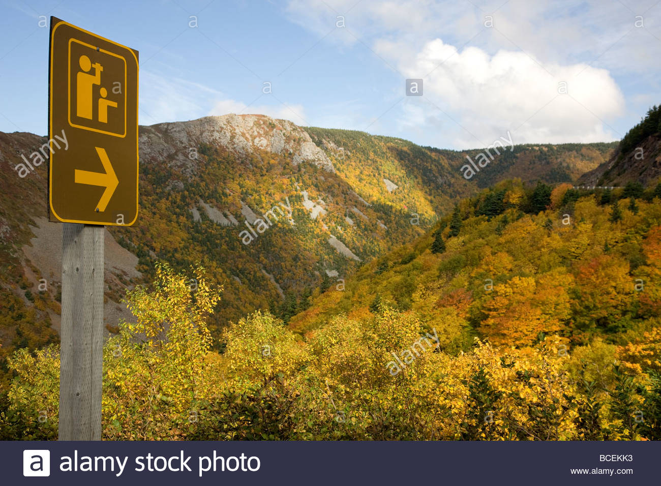 A sign indications a look out point along the Cabot Trail. - Stock Image