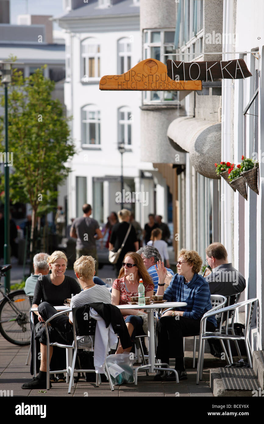 Sidewalk cafe, Reykjavik, Iceland - Stock Image