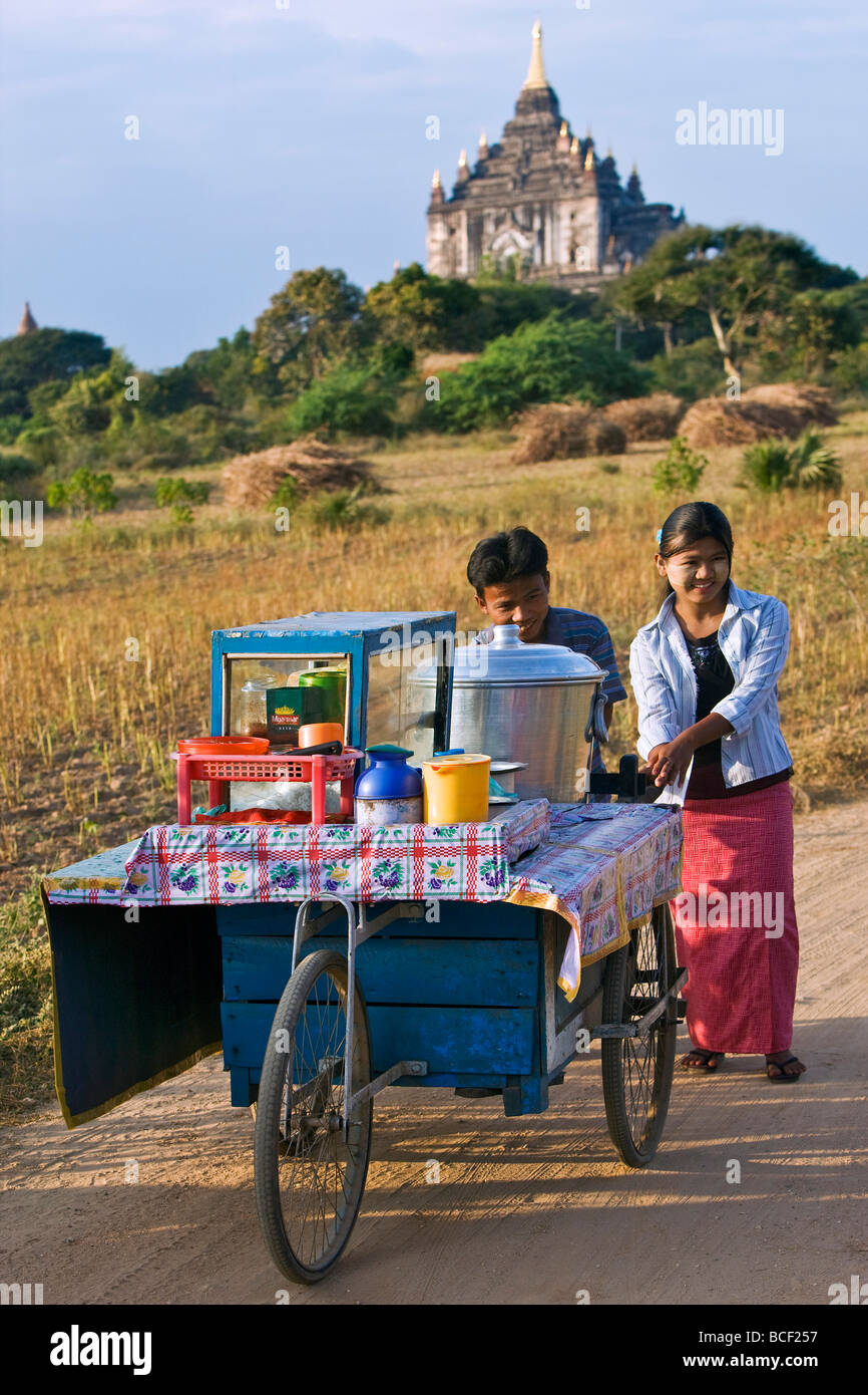 Myanmar. Burma. Bagan. Food vendors near the ancient Shwesadaw stupa on the central plain of Bagan. - Stock Image