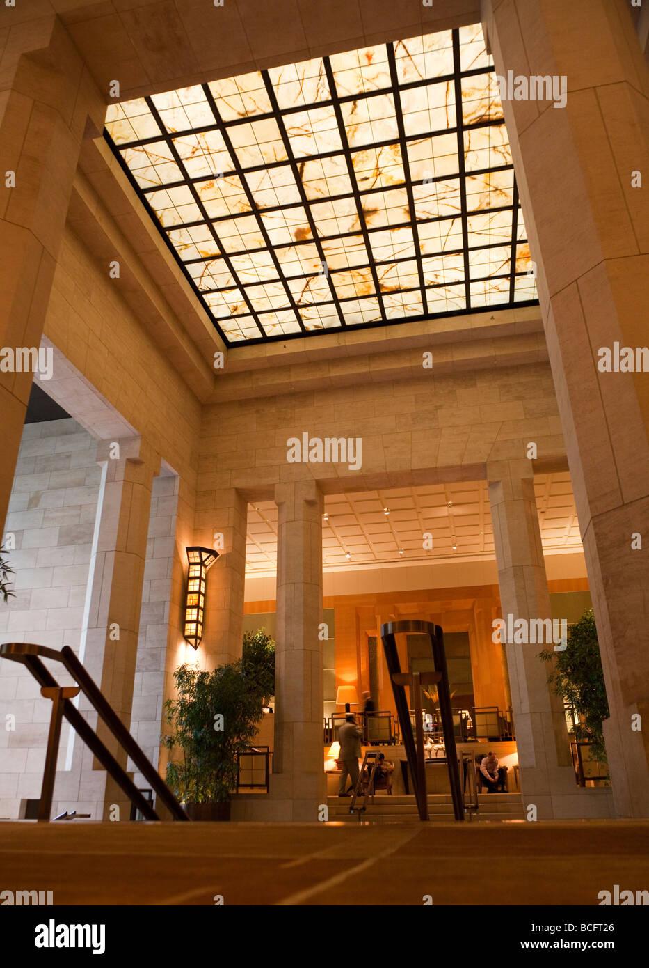 Lobby Four Seasons Hotel New York City Usa Stock Photo Alamy