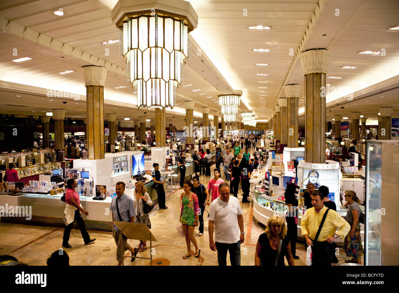 Macys Department Store Interior Stock Photos & Macys Department ...