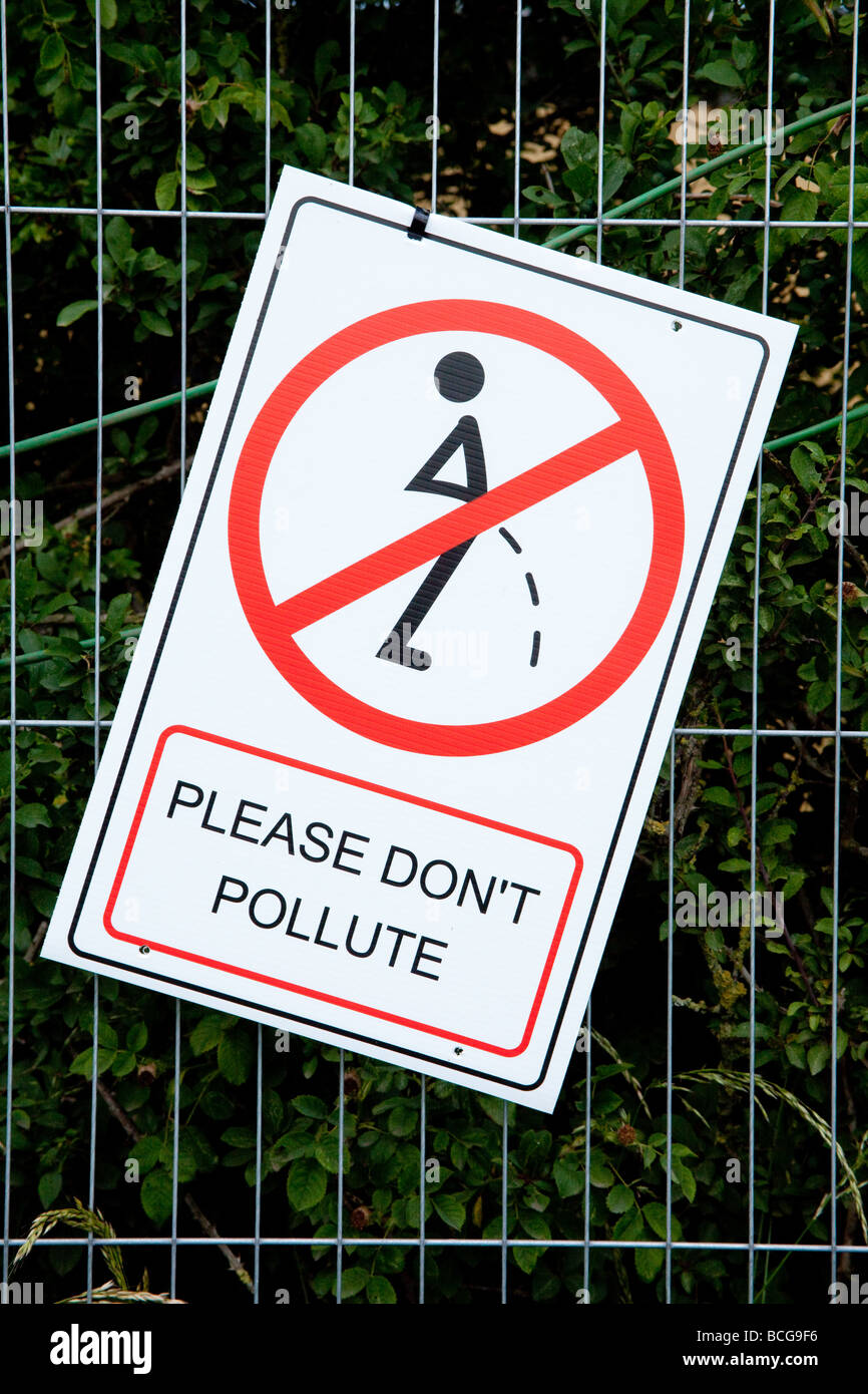 Please don't pollute sign at the Glastonbury Festival 2009 - Stock Image