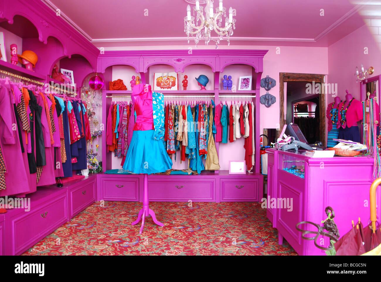 interior of colourful antoine lili boutique rue du 29. Black Bedroom Furniture Sets. Home Design Ideas