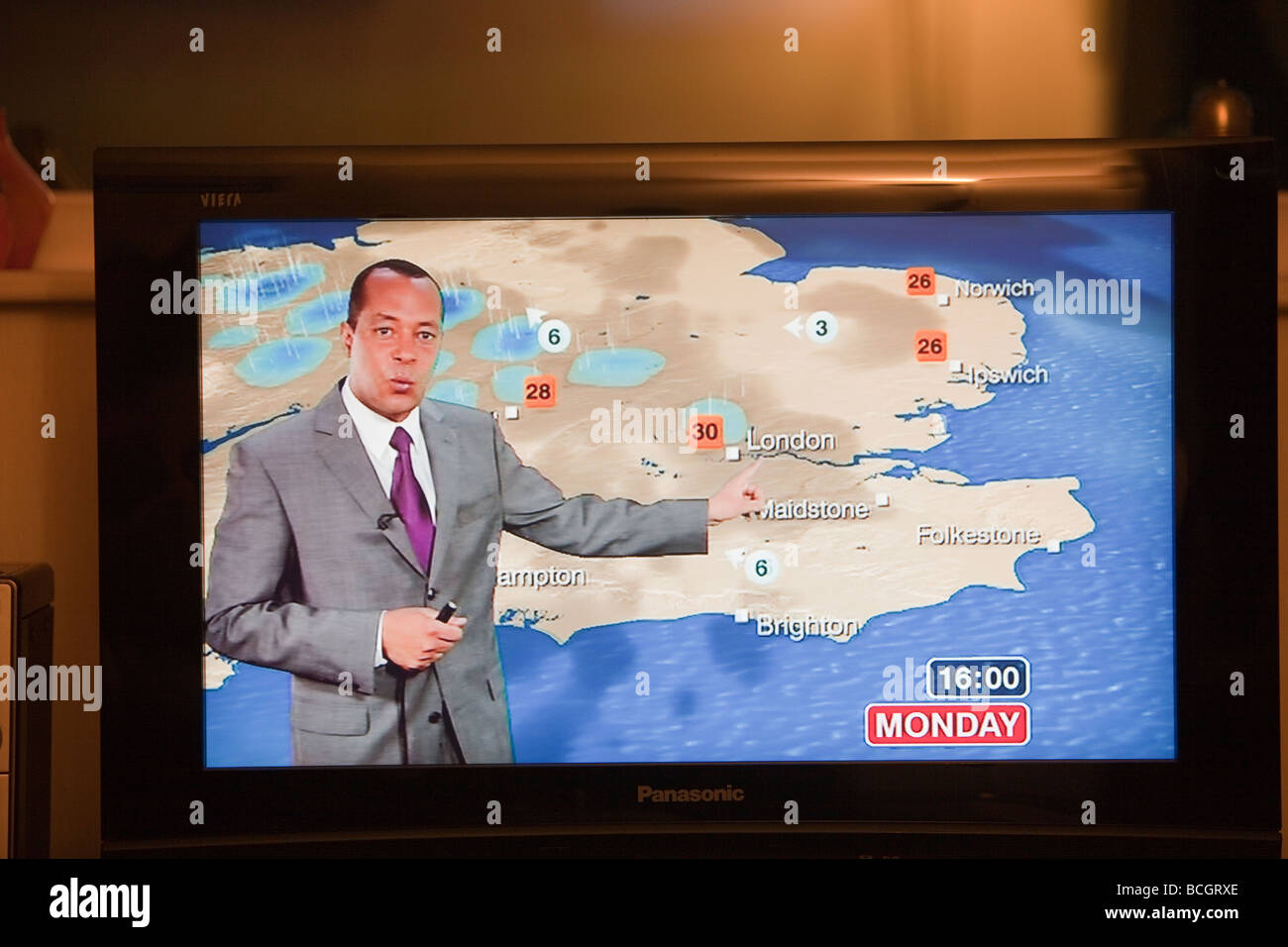 A TV weather forecast forecasting a heat wave in the UK Stock Photo