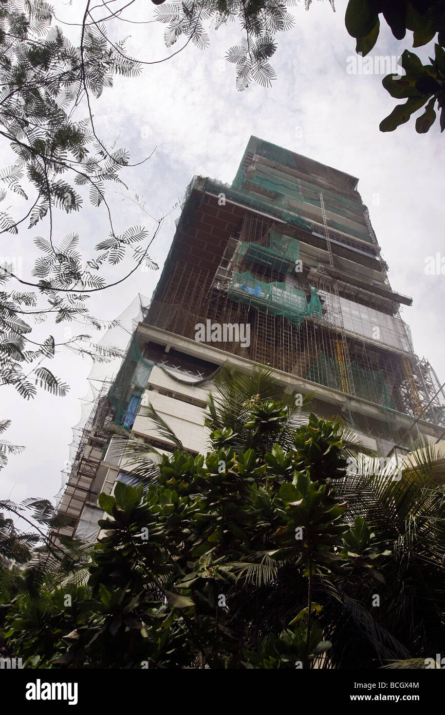 The construction of Mukesh Ambanis new private residential skyscraper named Antilia in Mumbai (Bombay) in India - Stock Image