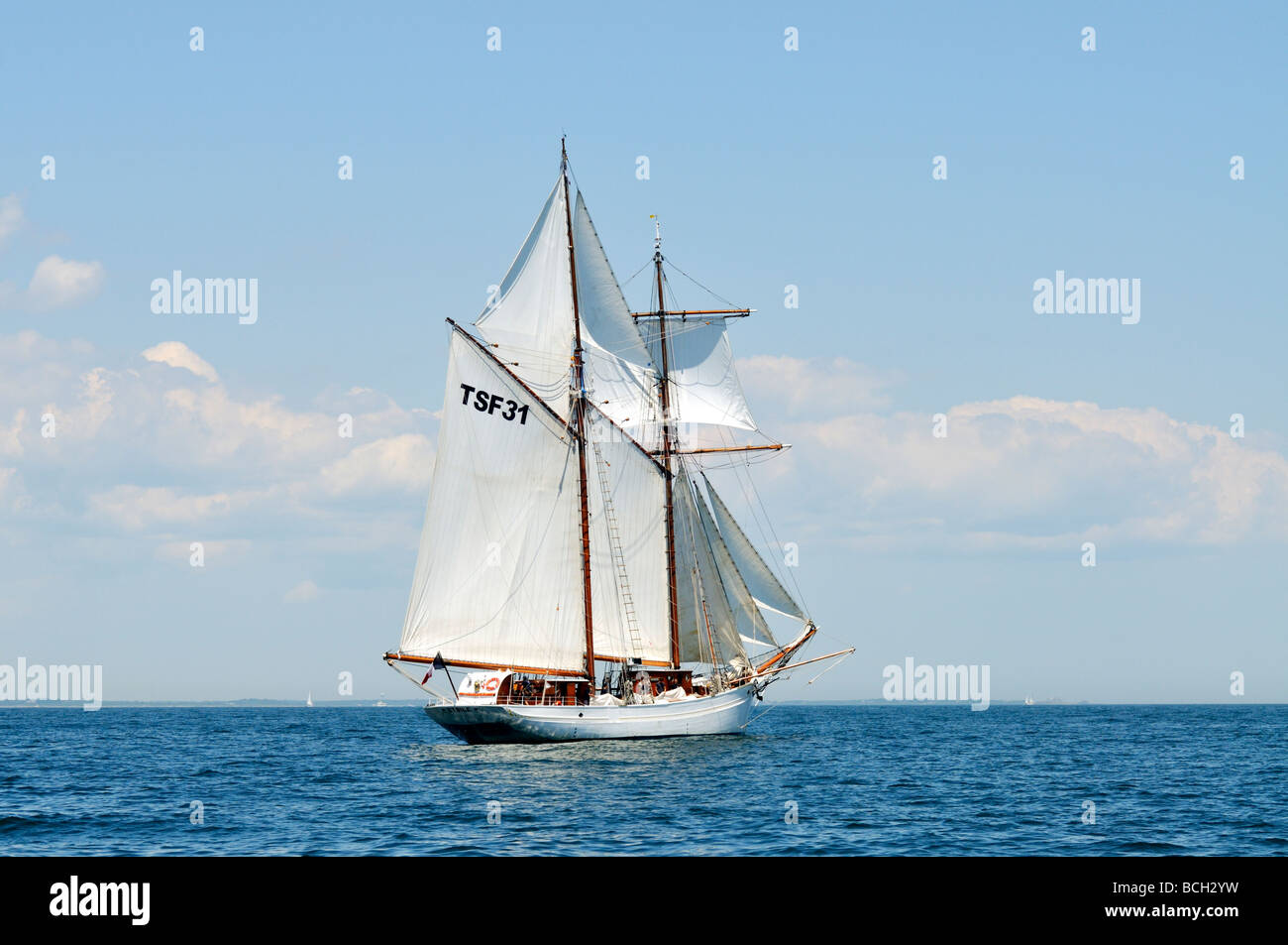 French tall ship L Etoile a gaff rigged schooner under full sail - Stock Image