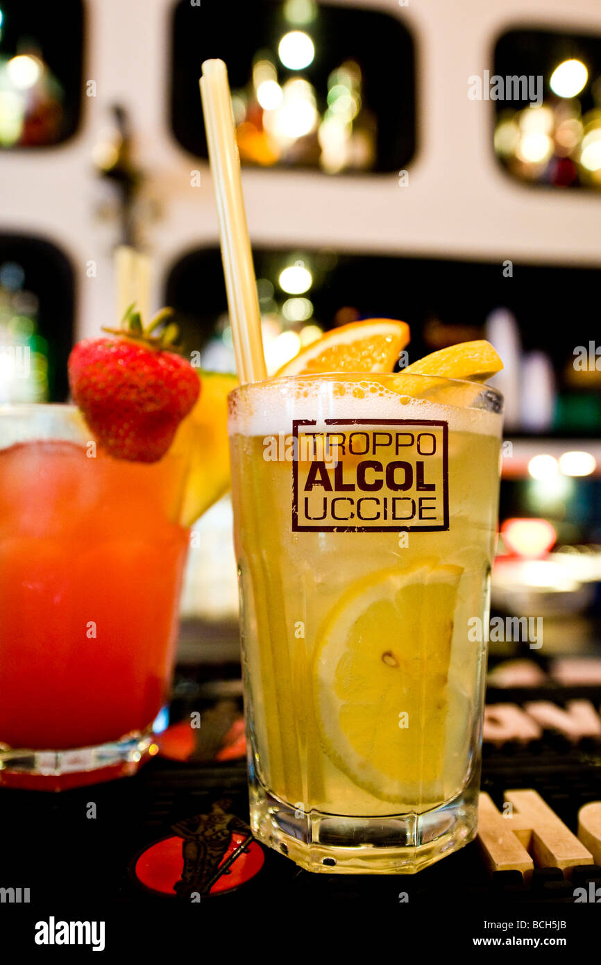 too much alcohol kills cocktails corso como milan italy - Stock Image