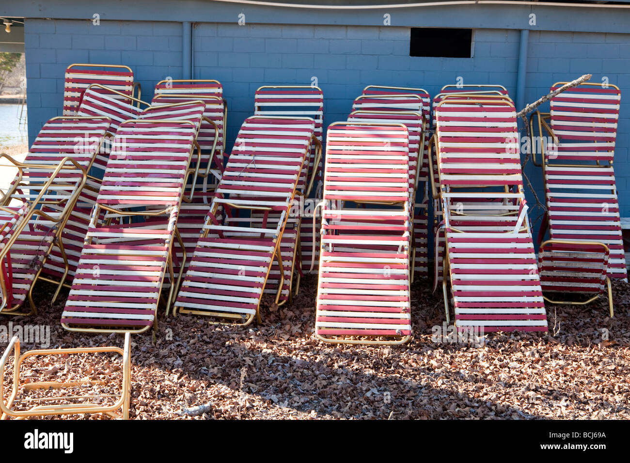 Admirable White And Red Striped Chaise Lounge Chairs In Storage Ibusinesslaw Wood Chair Design Ideas Ibusinesslaworg
