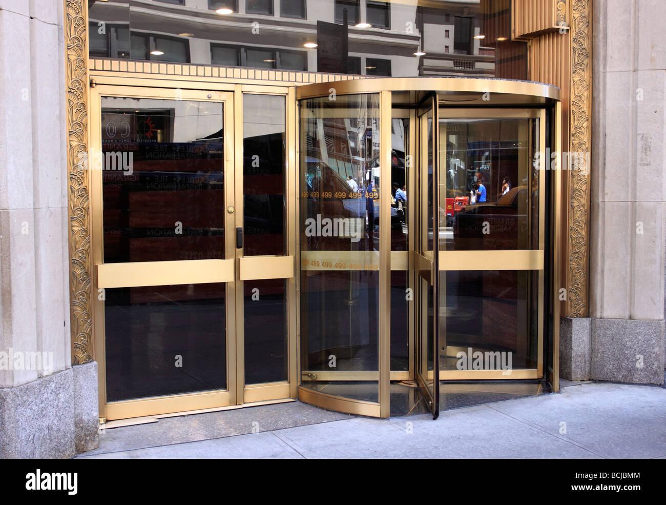 revolving door, New York City Stock Photo: 24990580 - Alamy on
