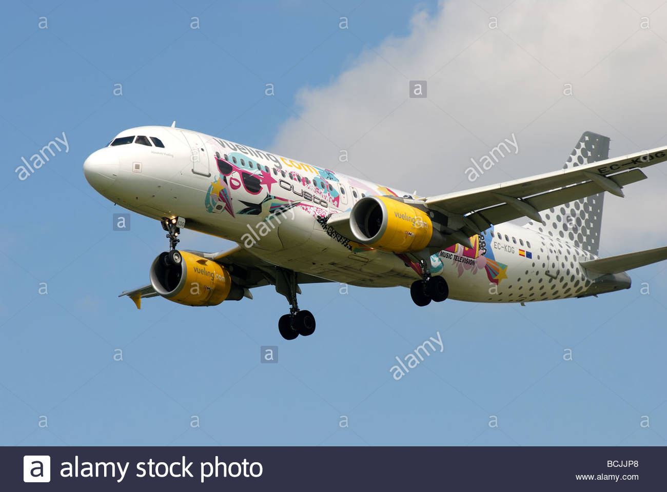 Vueling Airbus A320-214 EC-KDG in MTV livery - Stock Image