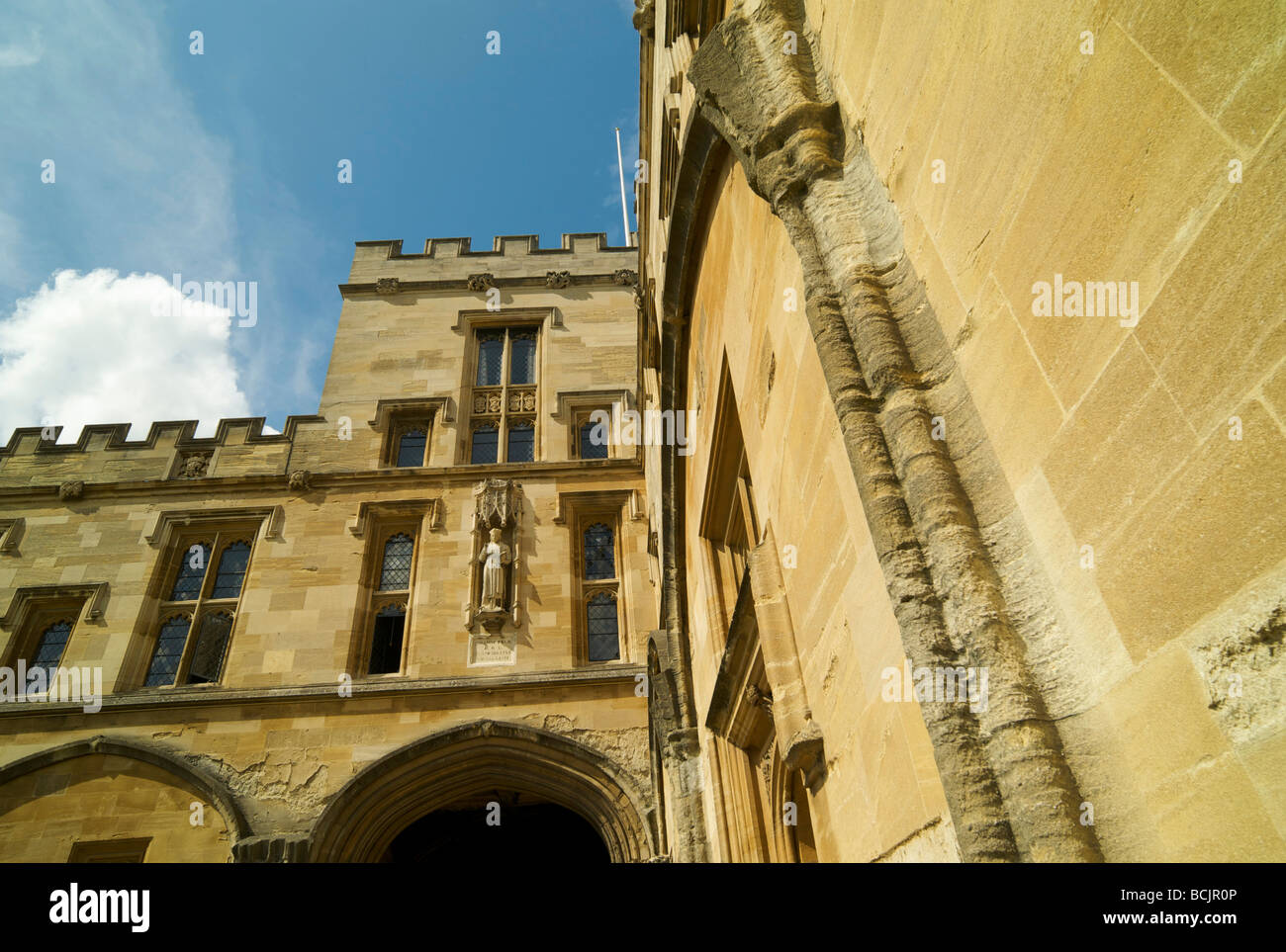 Detail of the architecture in a corner of Tom quadrangle at Christ Church college Oxford - Stock Image