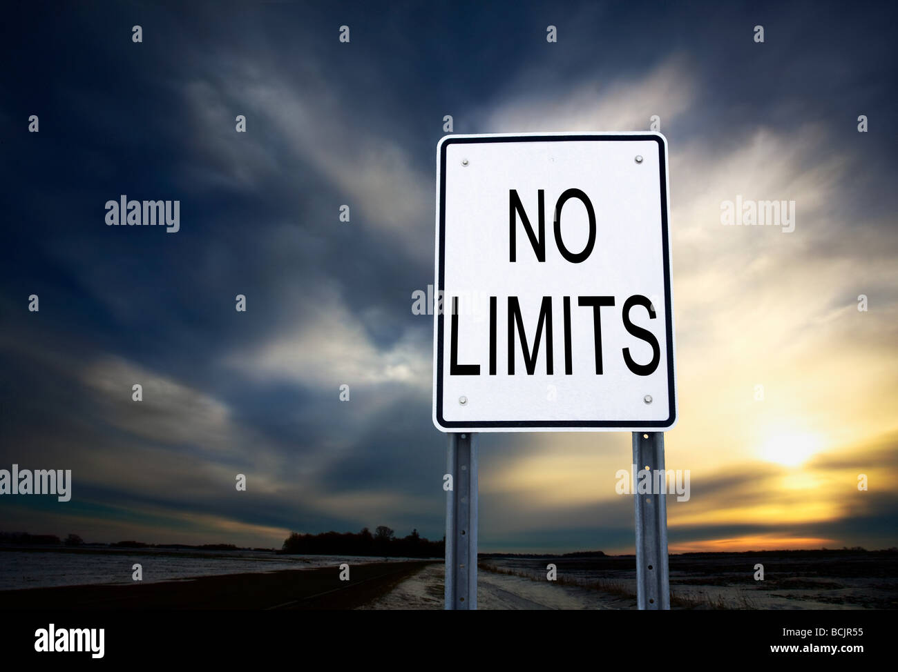 No limits sign - Stock Image