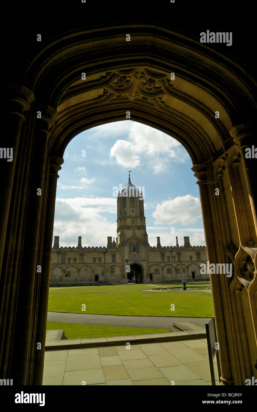 View of Tom Quad and Tom Tower at Christ Church college Oxford from the cathedral doorway - Stock Image