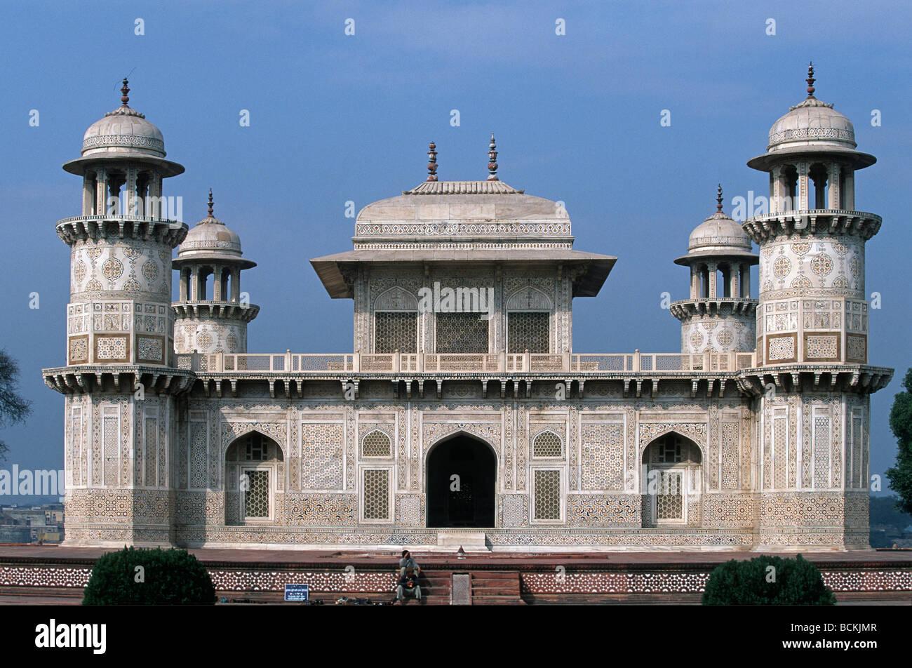 India Uttar Pradesh Agra Itimad ud Daulah mausoleum 1626 Tomb of Mirza Ghiyas Beg Chief Minister Stock Photo