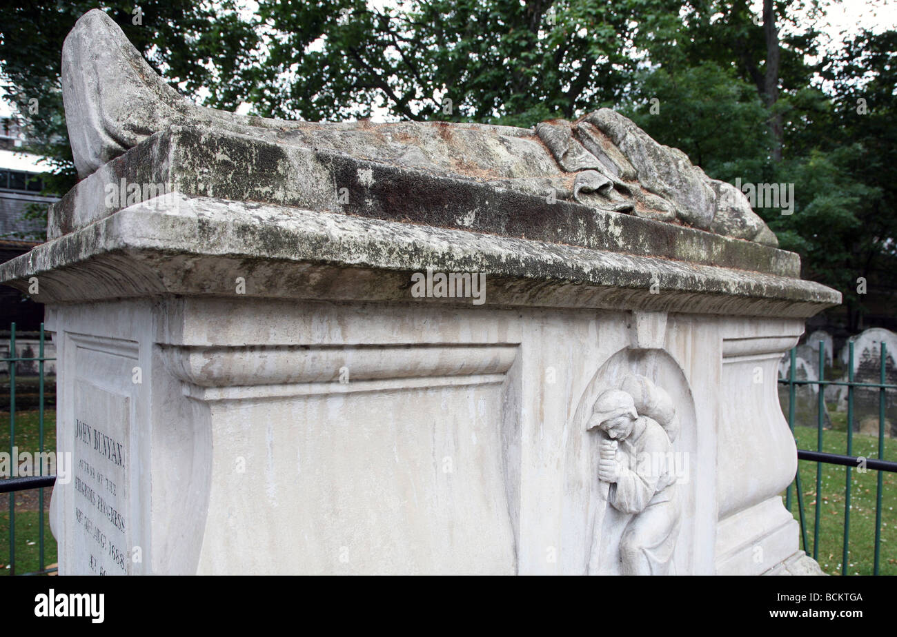 Tomb of John Bunyan, Bunhill Fields, London - Stock Image