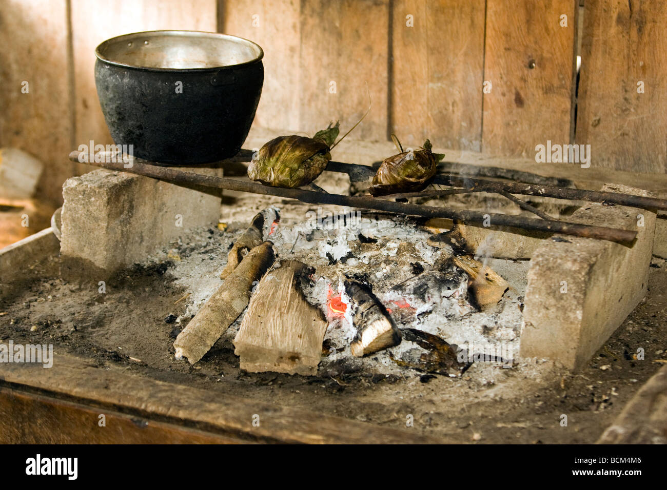 Traditional fireplace for cooking - Napo Wildlife Center - Napo Province, Ecuador - Stock Image