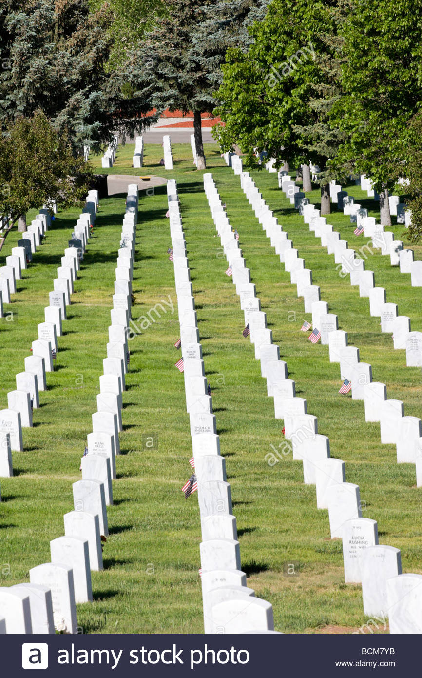 Rows of Tombstones Santa Fe National Cemetery New Mexico - Stock Image
