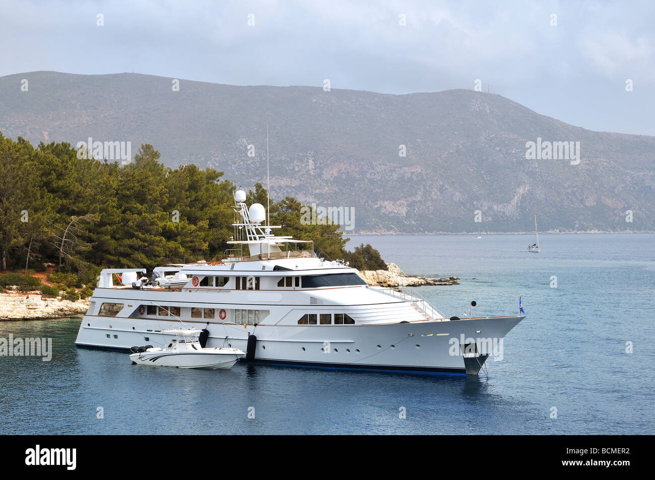 Luxury yacht in the Greek sea - Stock Image