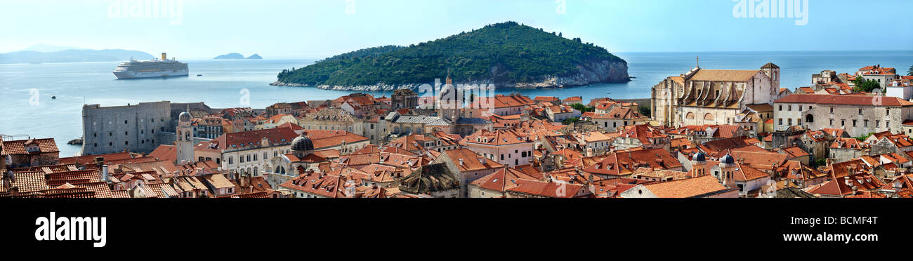 Panoramic view of Dubrovnik Old Town - Croatia - Stock Image