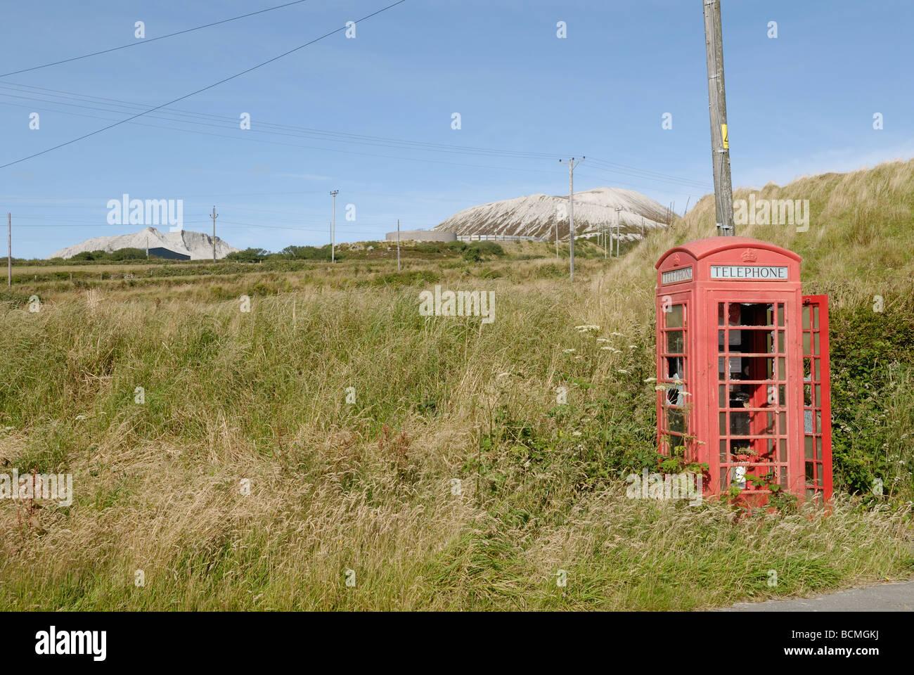 Abandoned telephone box - Stock Image