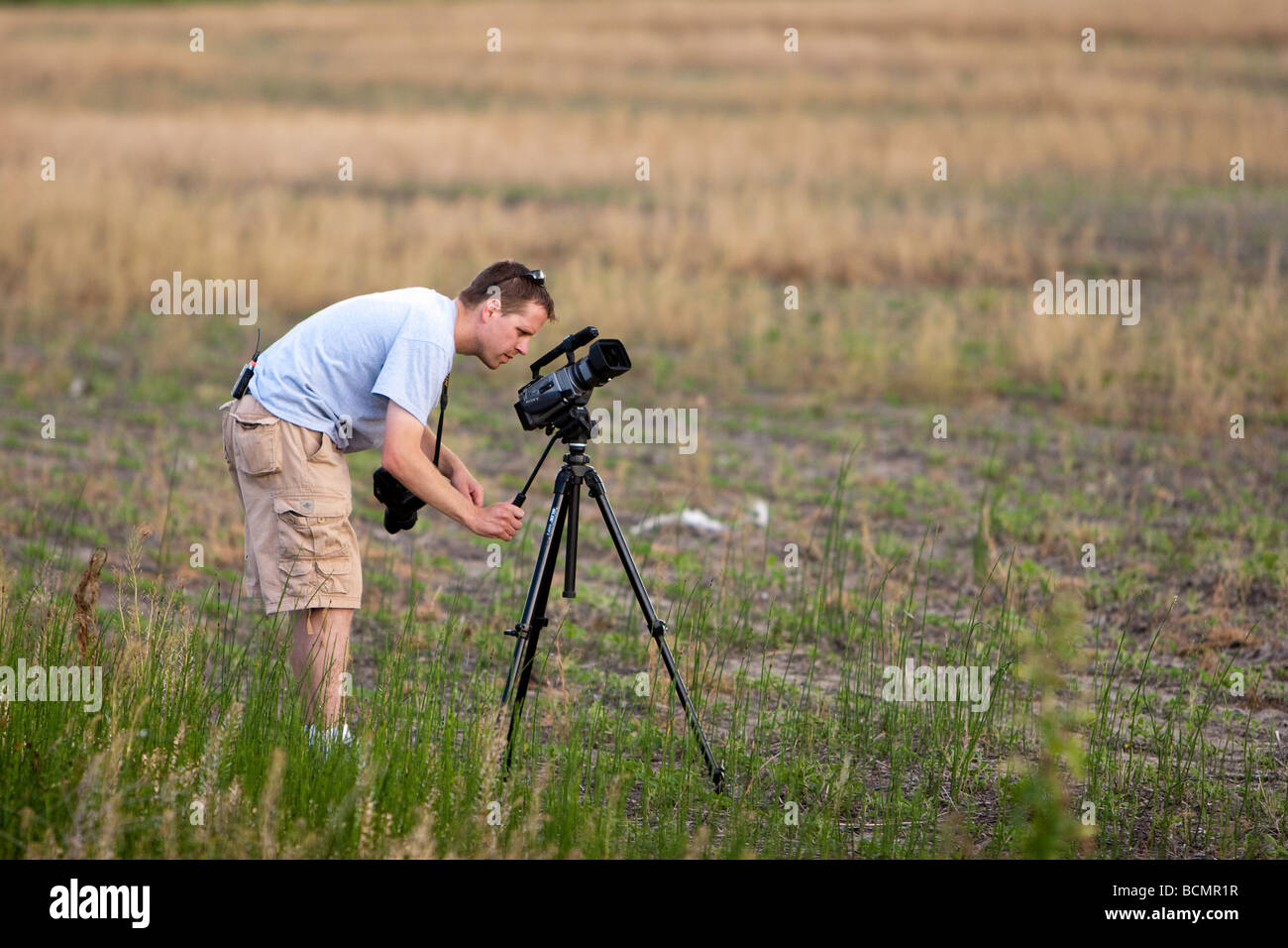 A storm chaser in southwest Iowa videos a storm for Project Vortex 2 - Stock Image
