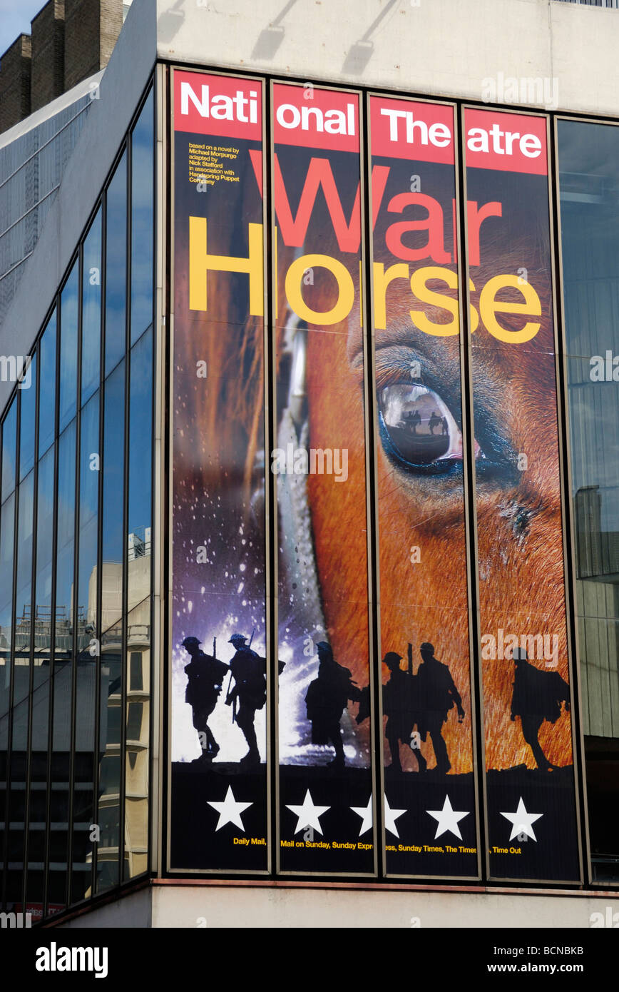 Theatre billboard outside New London Theatre promoting the National Theatre play War Horse Stock Photo