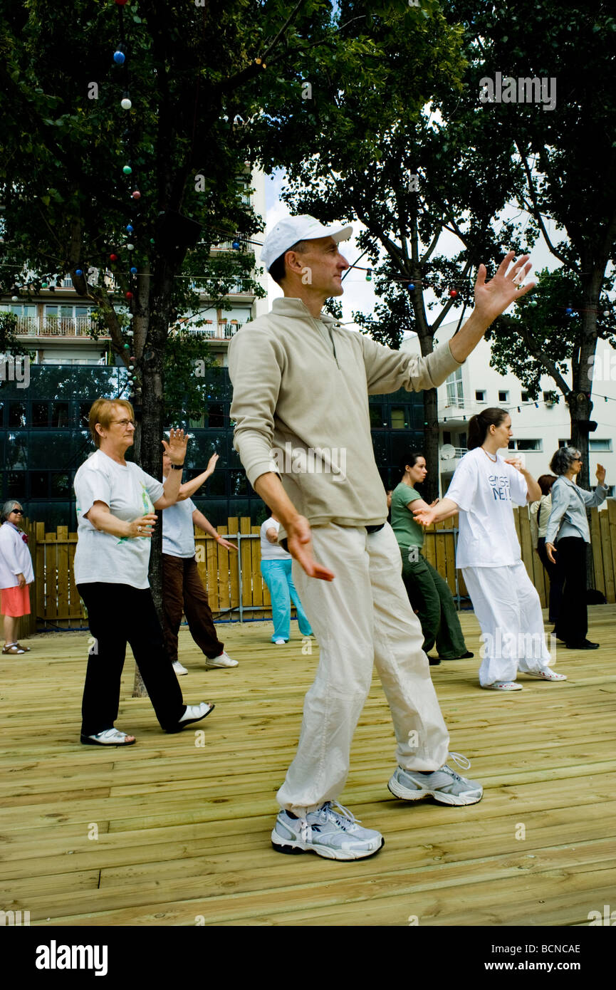 Paris, France, Senior Adults Practicing Chinese Exercise 'Tai Chi' at 'Paris Plages' 'Public - Stock Image