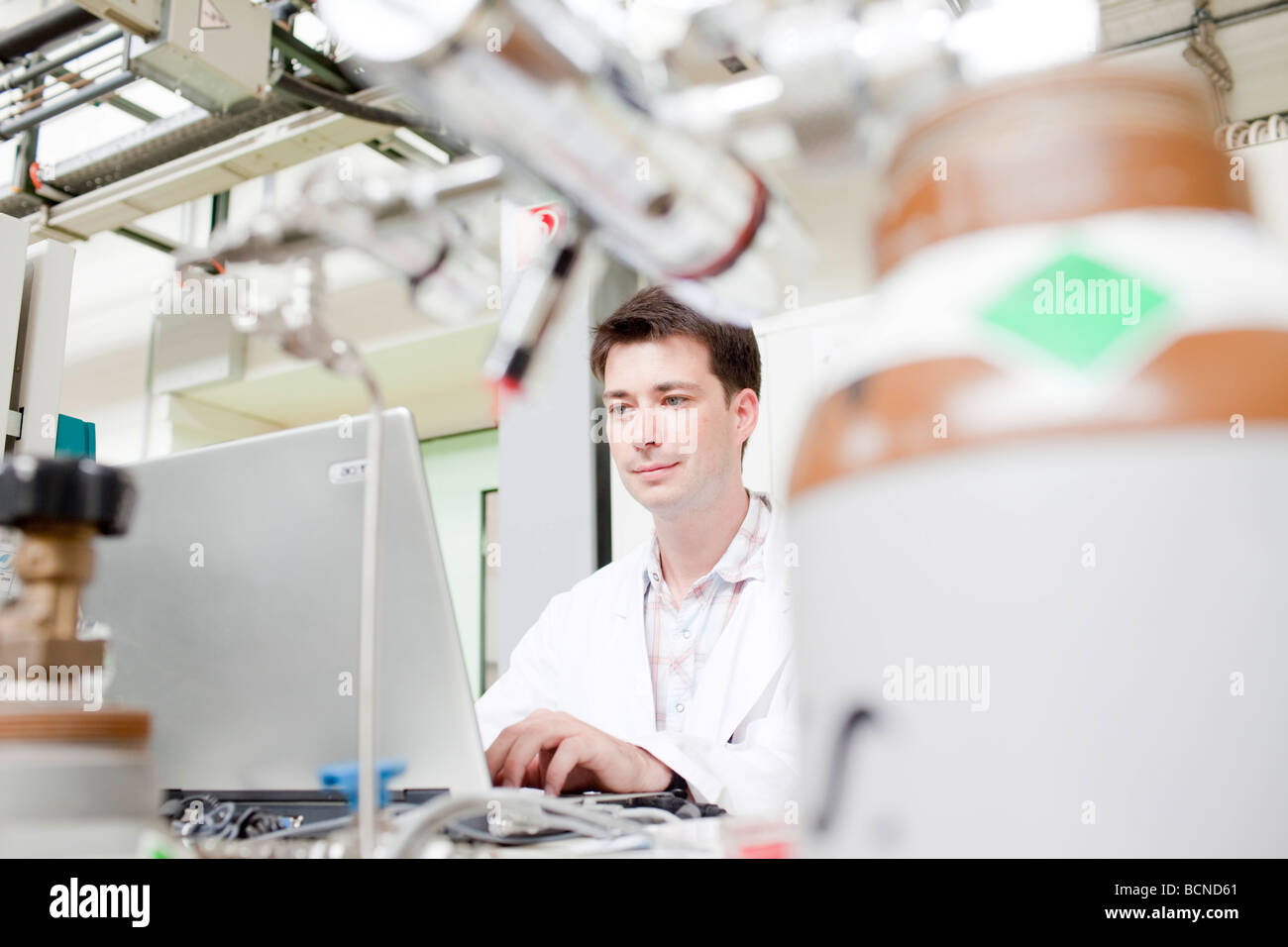 Scientist in a laboratoy in Juelich - Stock Image