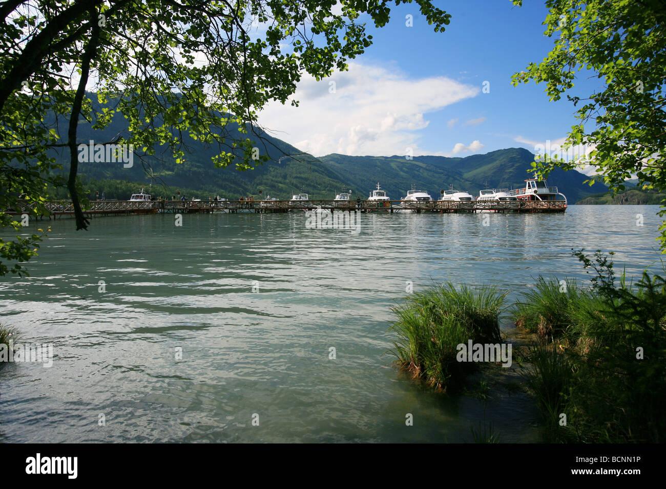 Tour boats waiting at the pier, Kanas Lake, Xinjiang Uyghur Autonomous Region, China Stock Photo