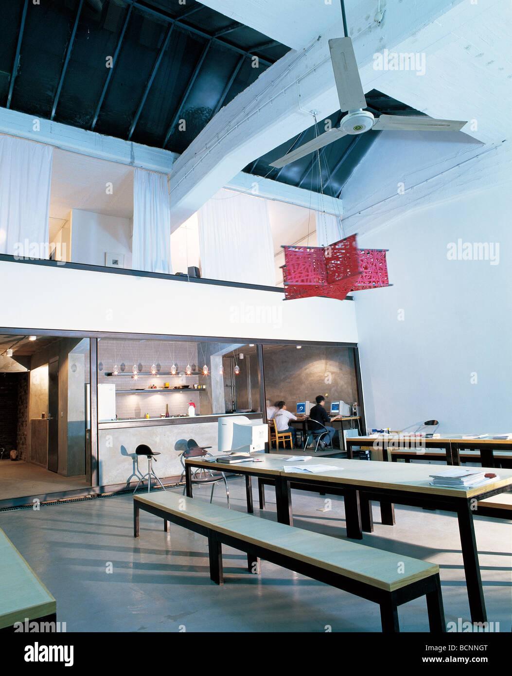 Liao Ge Zi Restaurant owned by comtemporary artist Mr. Lizi Mao, 798 Art District, Beijing, China Stock Photo