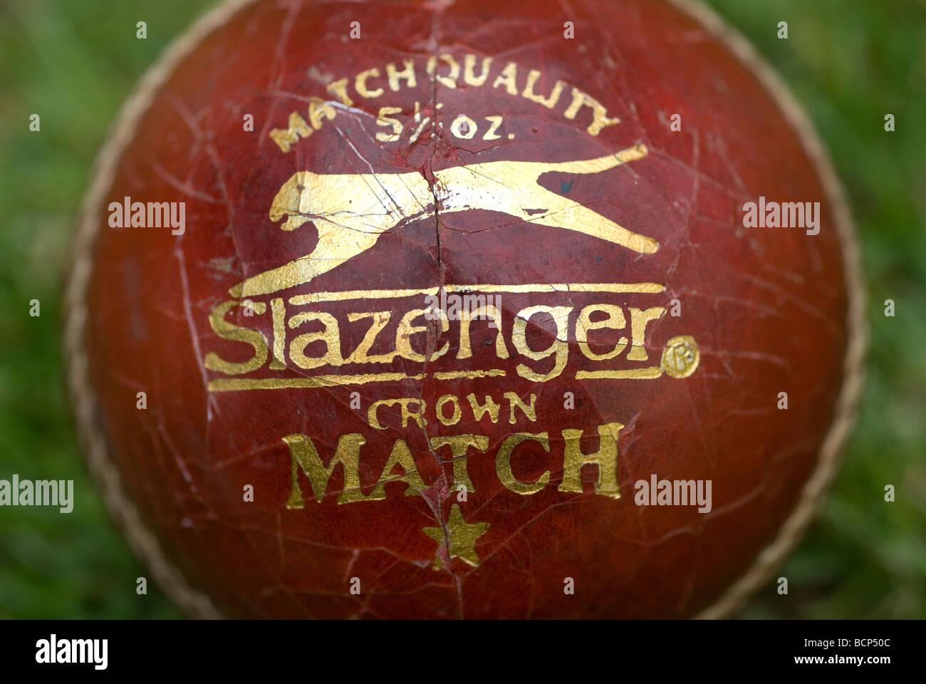 2a6479fef27 Slazenger crown Match cricket ball,5 oz Stock Photo: 25073116 - Alamy