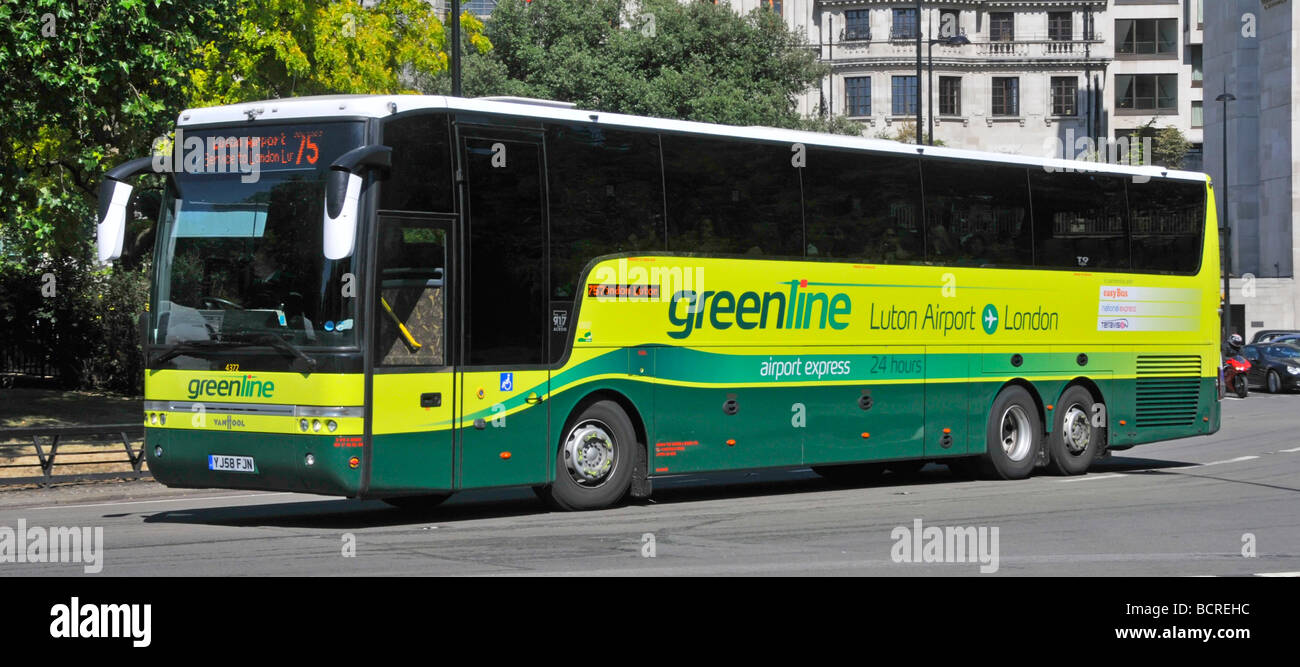 Greenline London to Luton airport express coach connecting service - Stock Image