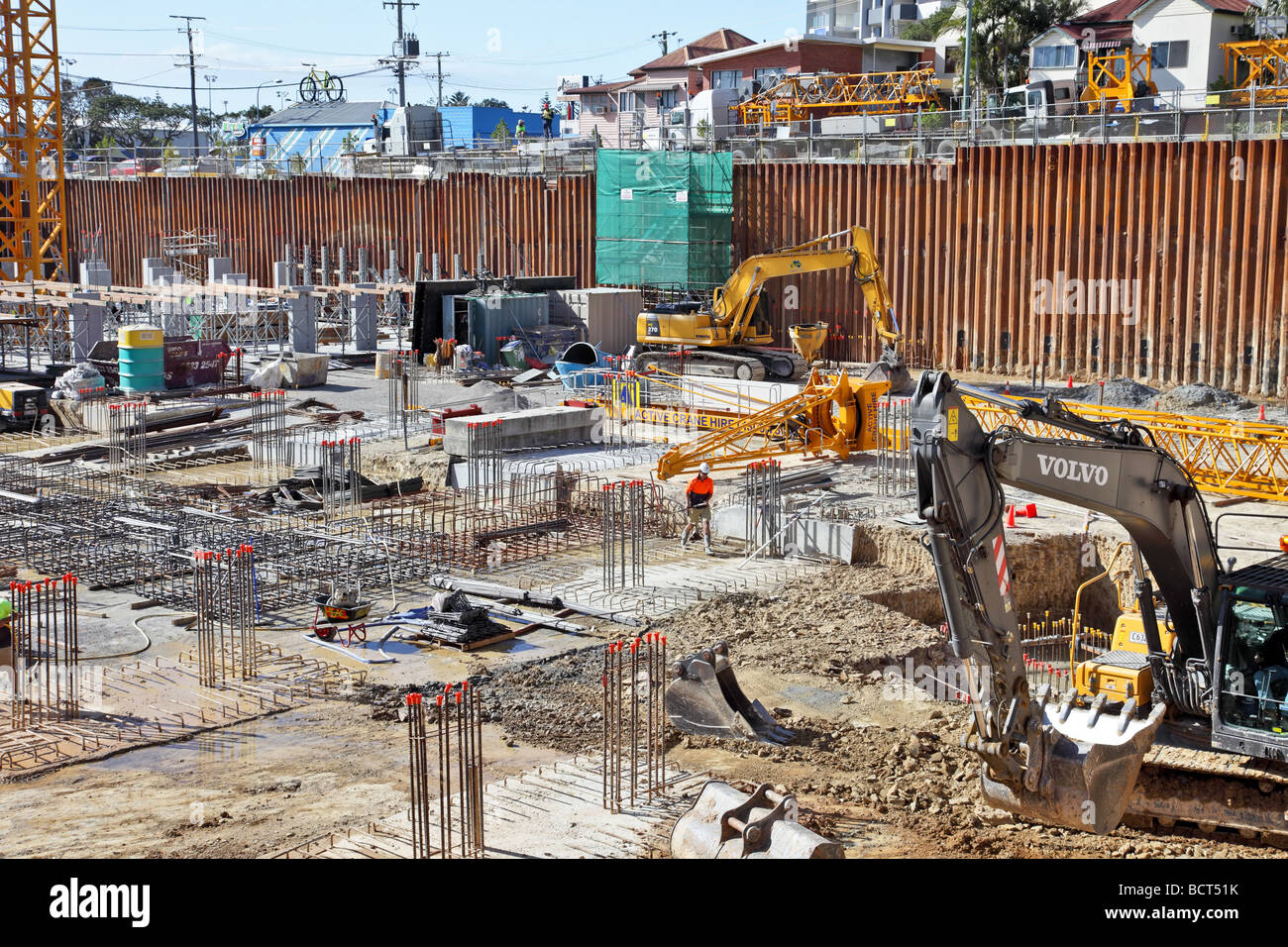 Constructing the concrete and steel foundations for a highrise building - Stock Image