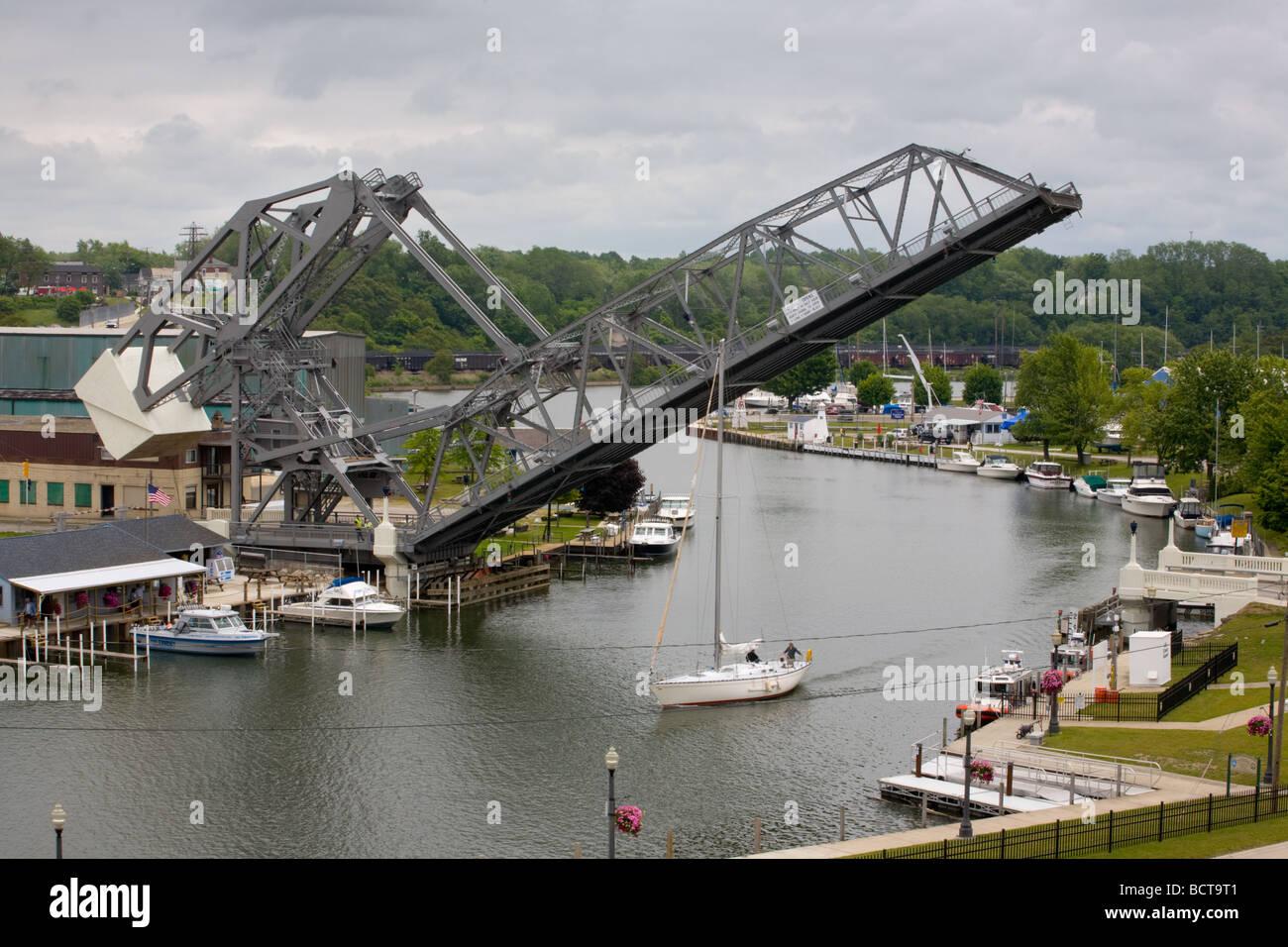 Bascule lift bridge is rare jackknife design Ashtabula Ohio - Stock Image
