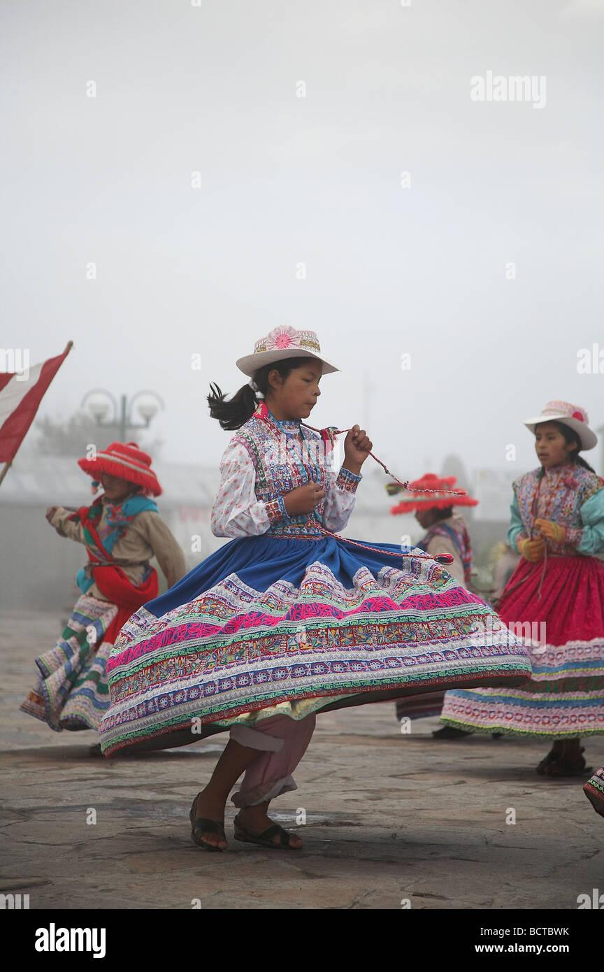 Peru Native Dancing Stock Photos & Peru Native Dancing Stock