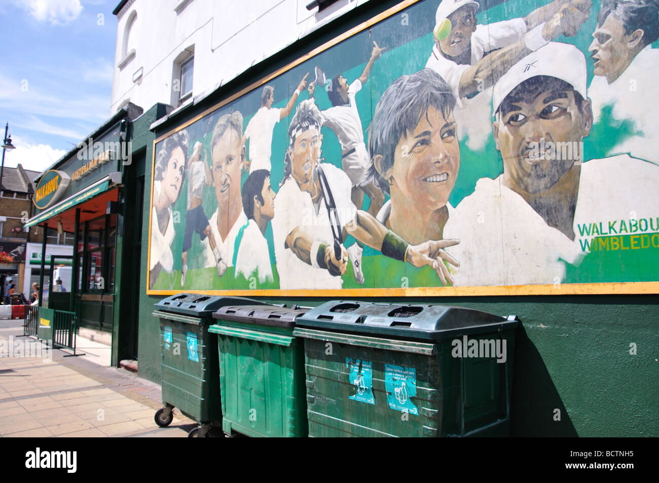 Tennis legends mural, Walkabout Club, The Broadway, Wimbledon, Greater London, England, United Kingdom - Stock Image