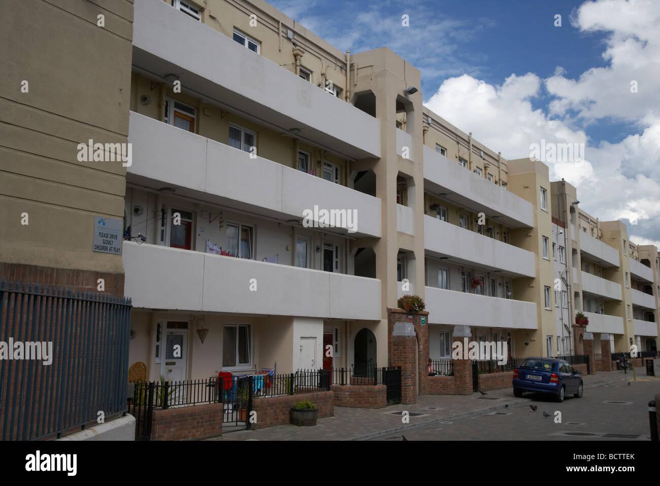 social housing development 1930s pearse house flats in dublins lower sandwith street inner city dublin city centre - Stock Image