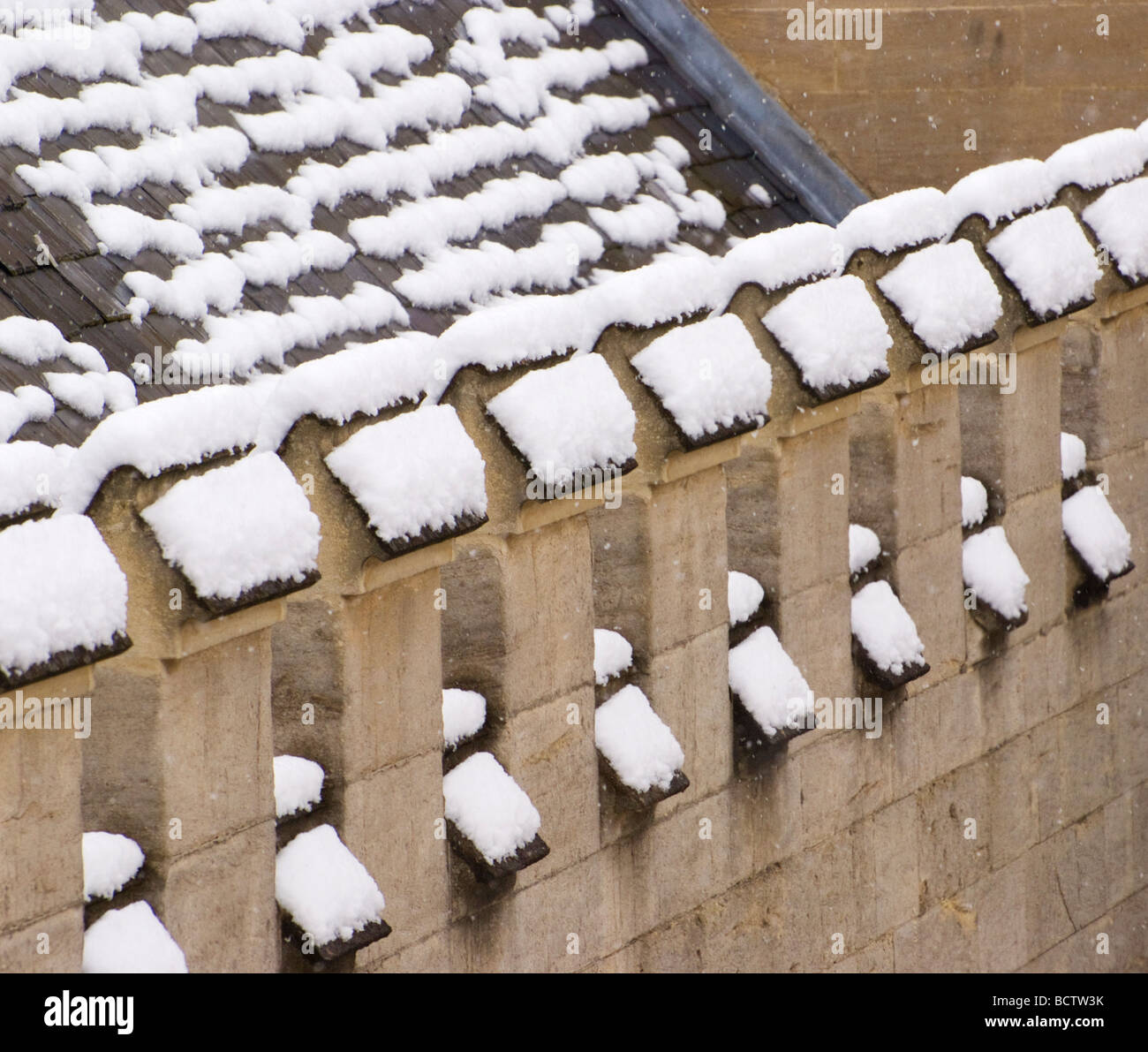 Jesus College rooftops in Snow, Oxford University - Stock Image