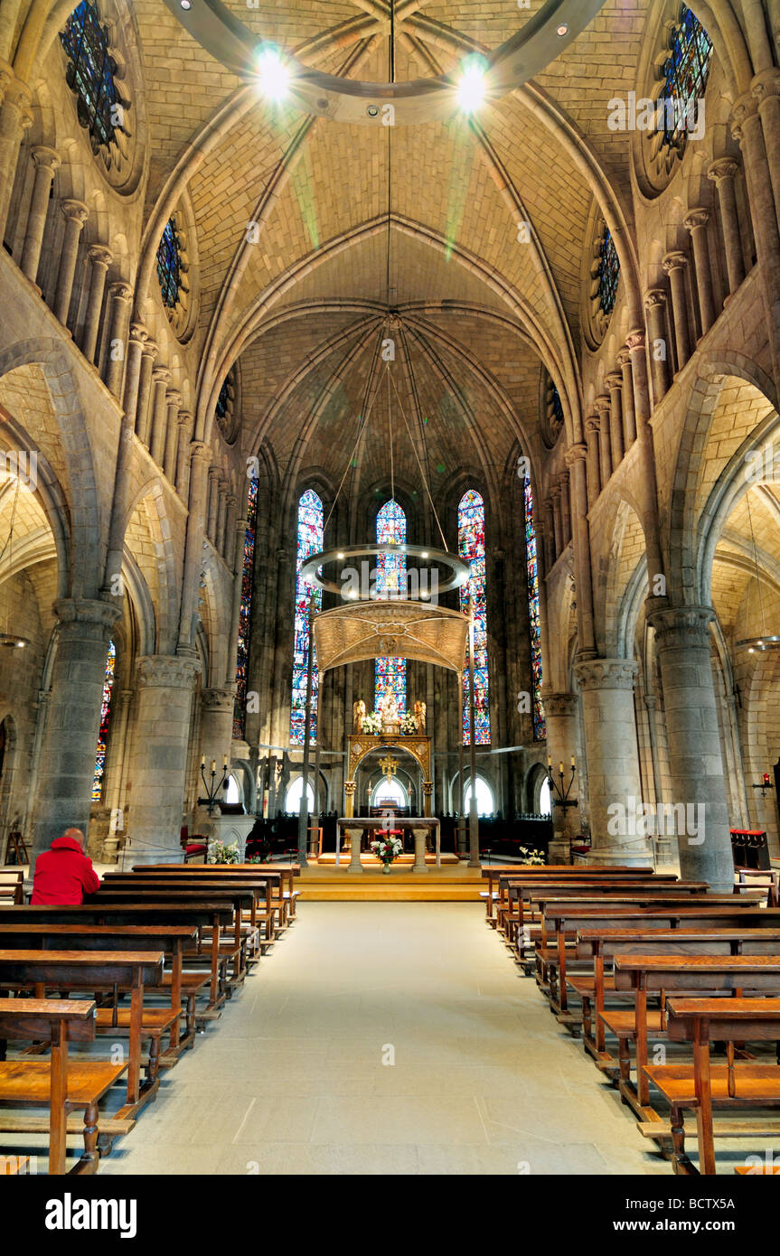 Spain, St. James Way: Nave of the gothic church La Real Colegiata in Roncesvalles - Stock Image