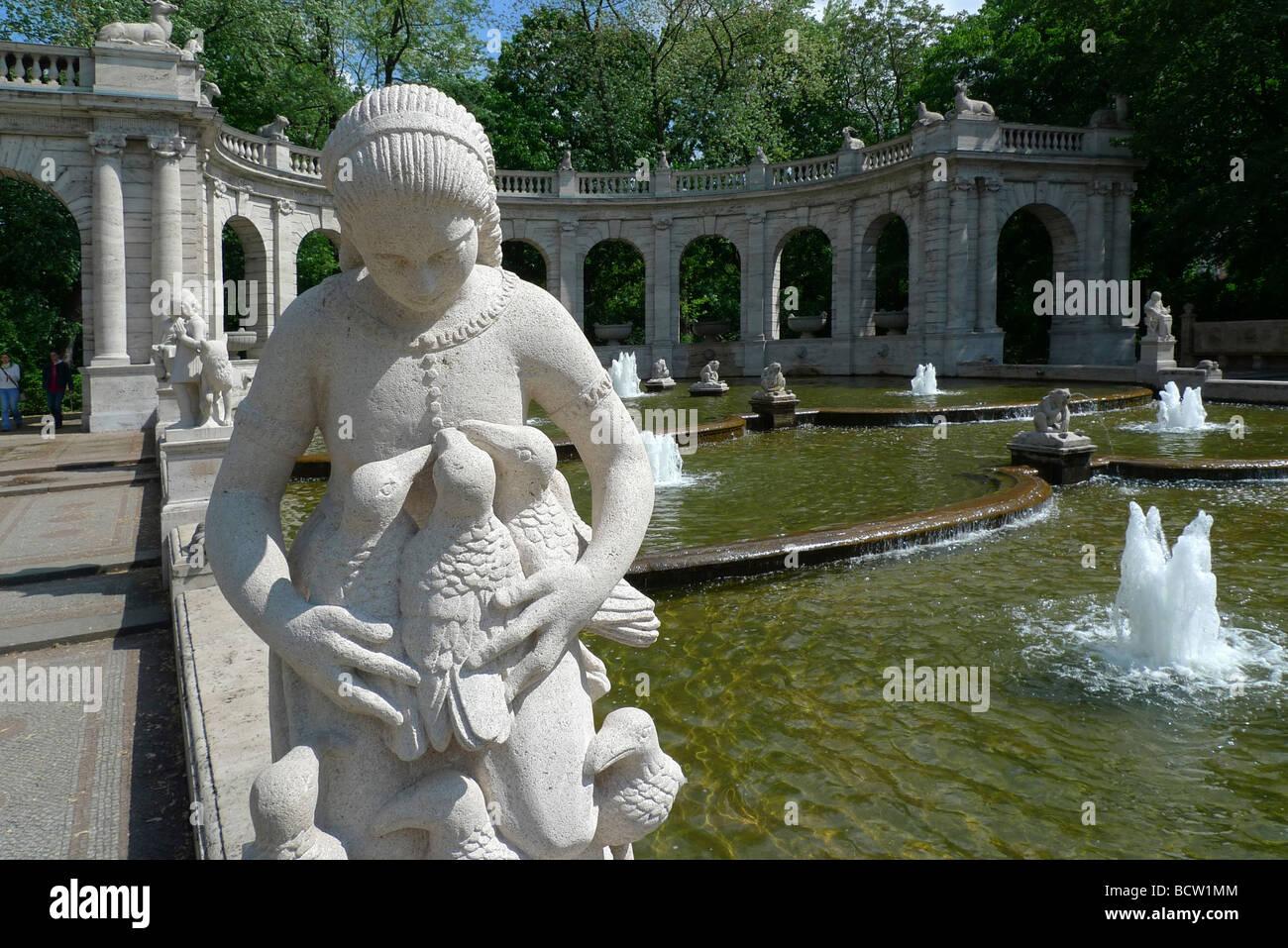 Cinderella, Maerchenbrunnen Fairy Tale Fountain, Volkspark am Friedrichshain, Friedrichshain district, Berlin, Germany, - Stock Image
