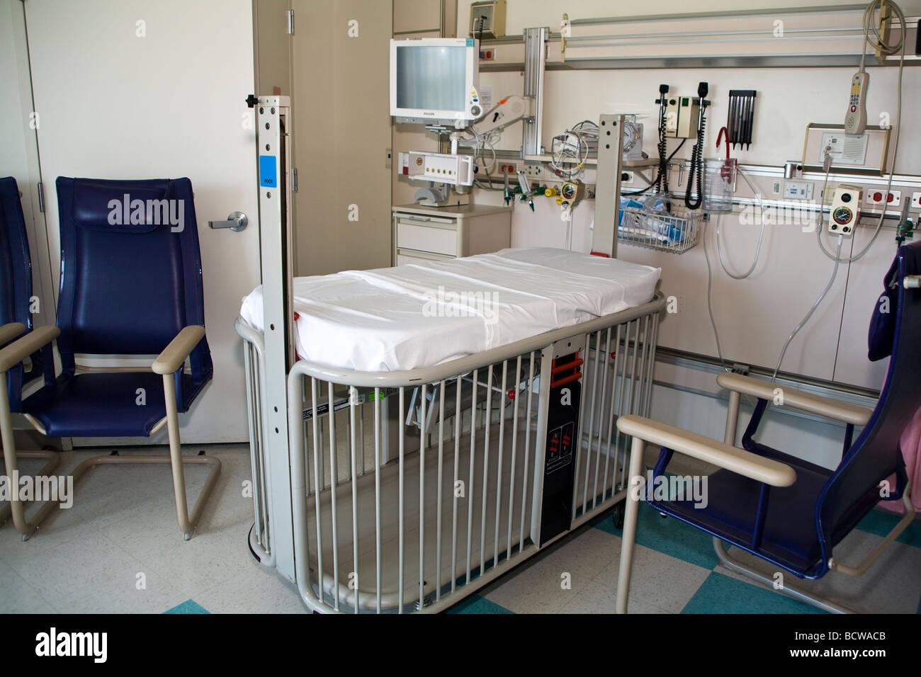 Hospital pediatric intensive care unit icu picu. - Stock Image