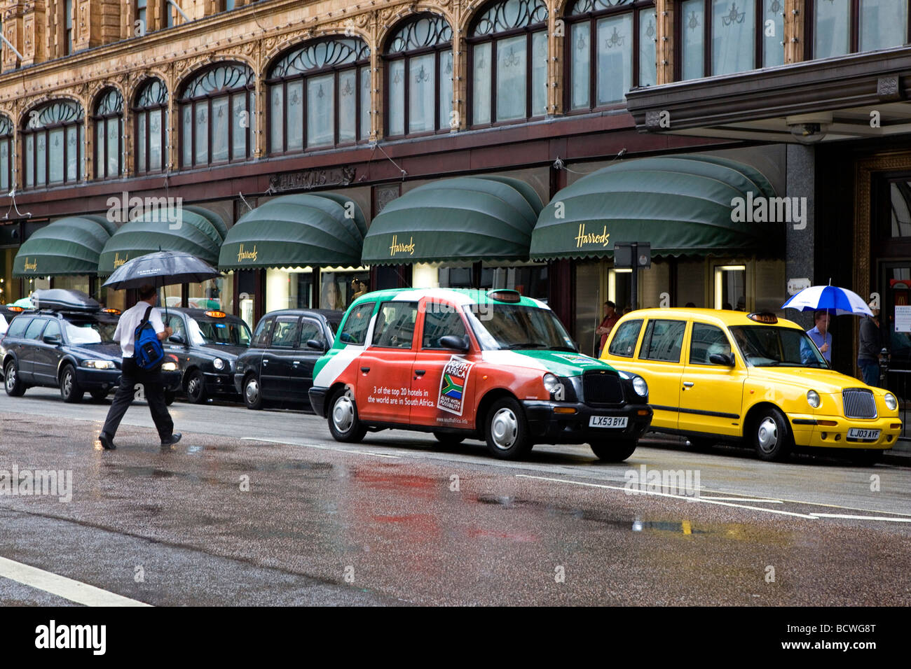 South African Taxi outside Harrods - Stock Image