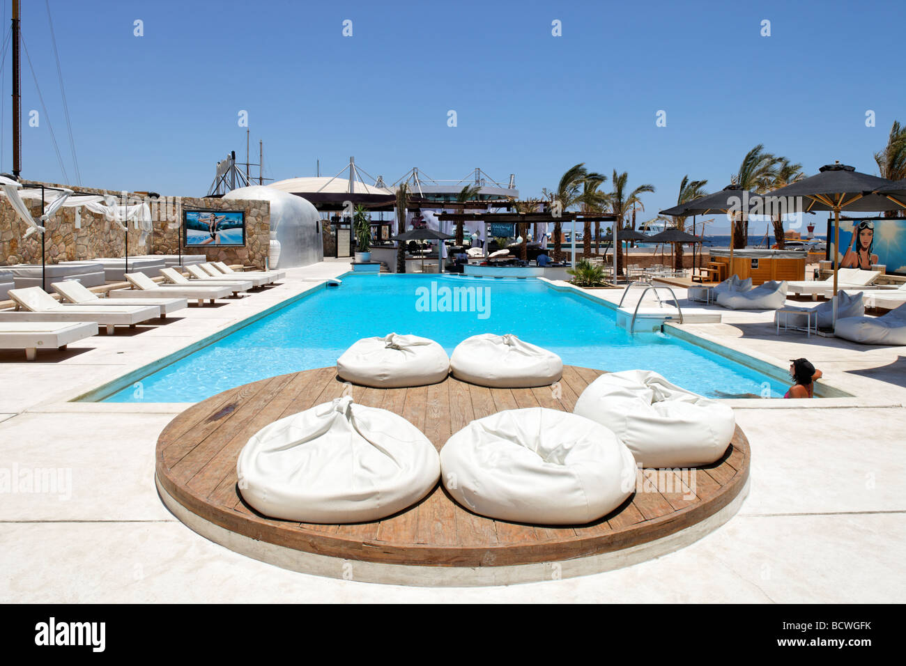Discotheque with pool and bar, Hedkandi Beach Bar, marina, Hurghada, Egypt, Red Sea, Africa - Stock Image