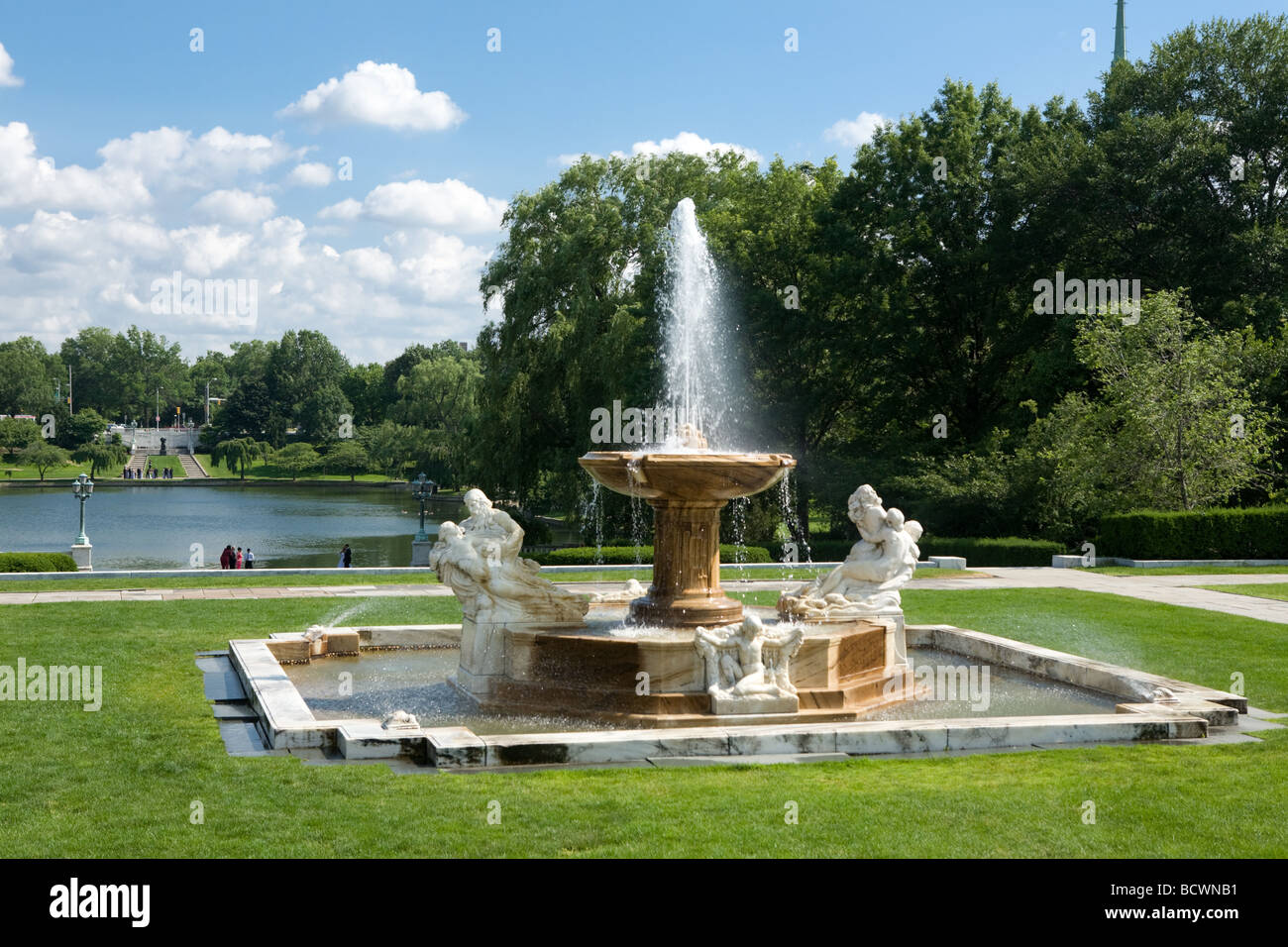 Fountain at Wade Lagoon University Circle in Cleveland Ohio - Stock Image