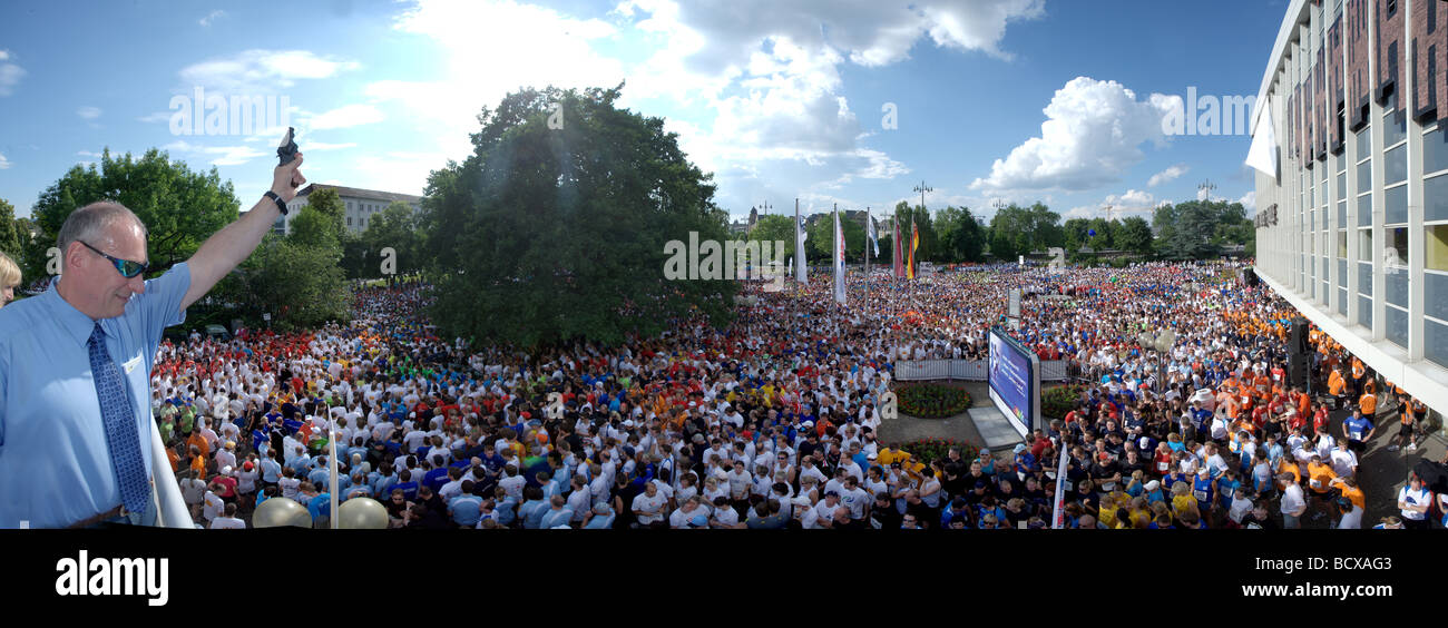 More than 13, 000 runners start at the 2009 Firmenlauf, companies run, Koblenz, Rhineland-Palatinate, Germany, Europe - Stock Image